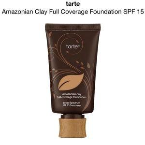 Tarte Amazonian Clay Foundation 22N Light Neutral